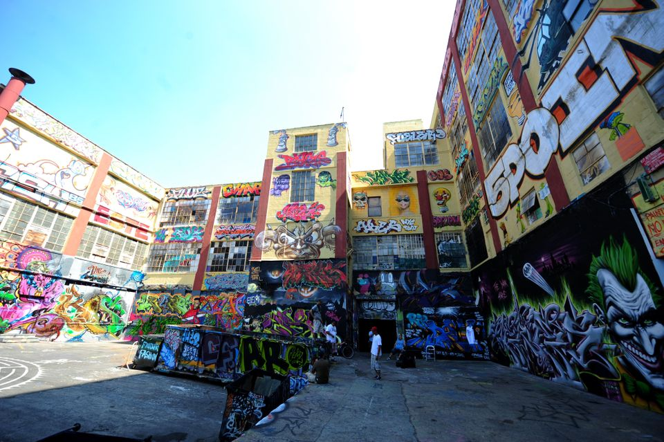 The '5 Pointz' is an outdoor art exhibit space in New York. The project was first established in 1993 to  to discourage graff