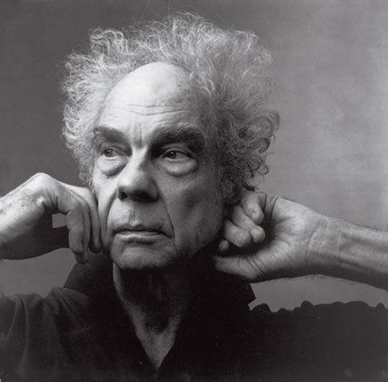 """""""Annie Leibovitz's portrait of Merce Cunningham shows him in a vulnurable way, as if he's lost within himself, almost reclusi"""