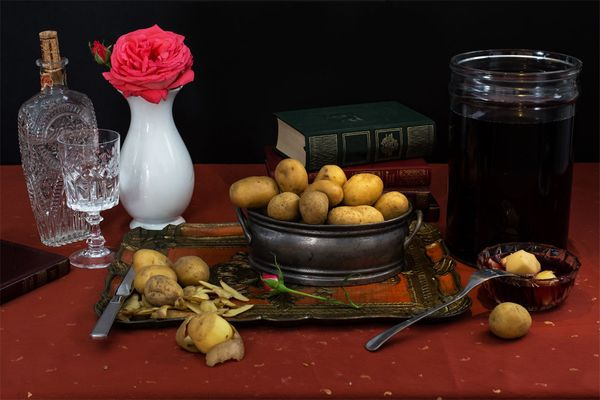"Lord Byron, ""Romantic poet's diet,"" Potatoes drenched in vinegar, poetry and soda water."