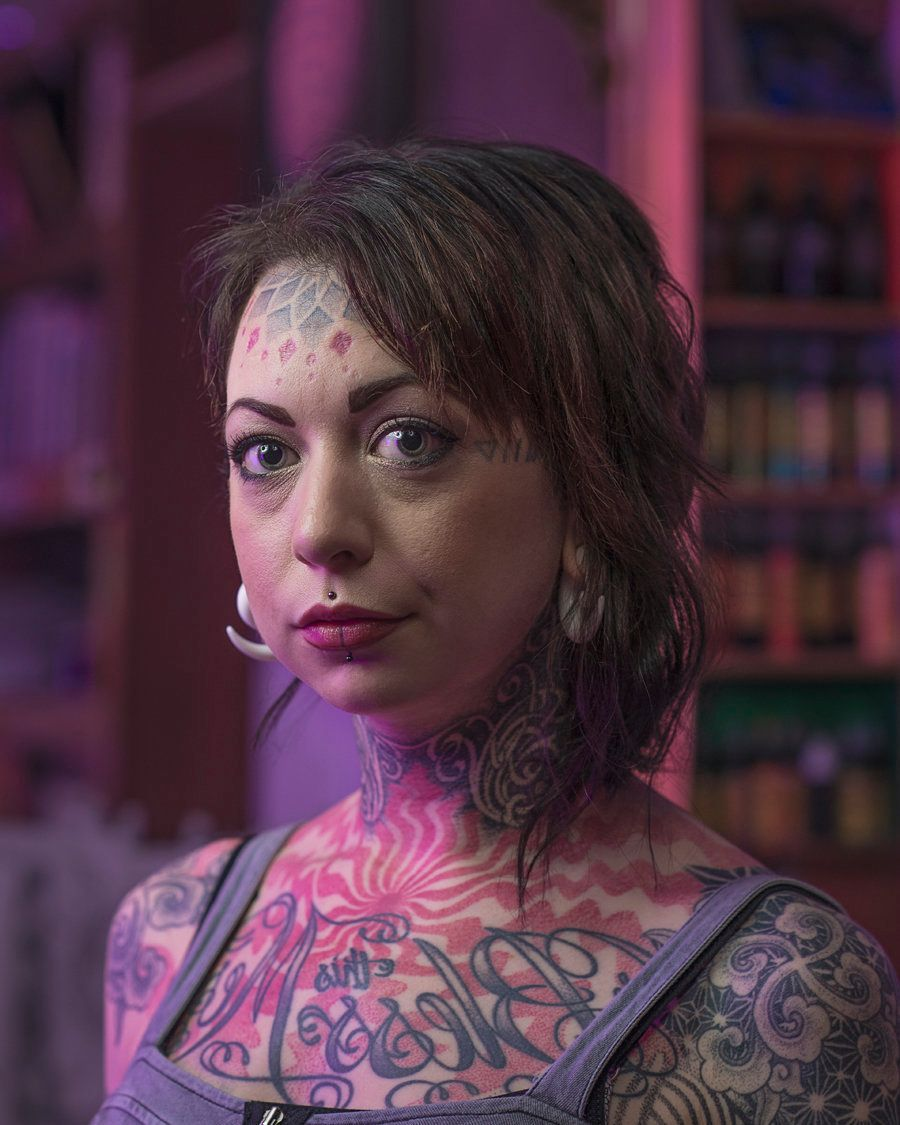Deryn – Has a degree in psychology and counselling, she got her face tattooed in 2011. Deryn has no more plans to get her fac
