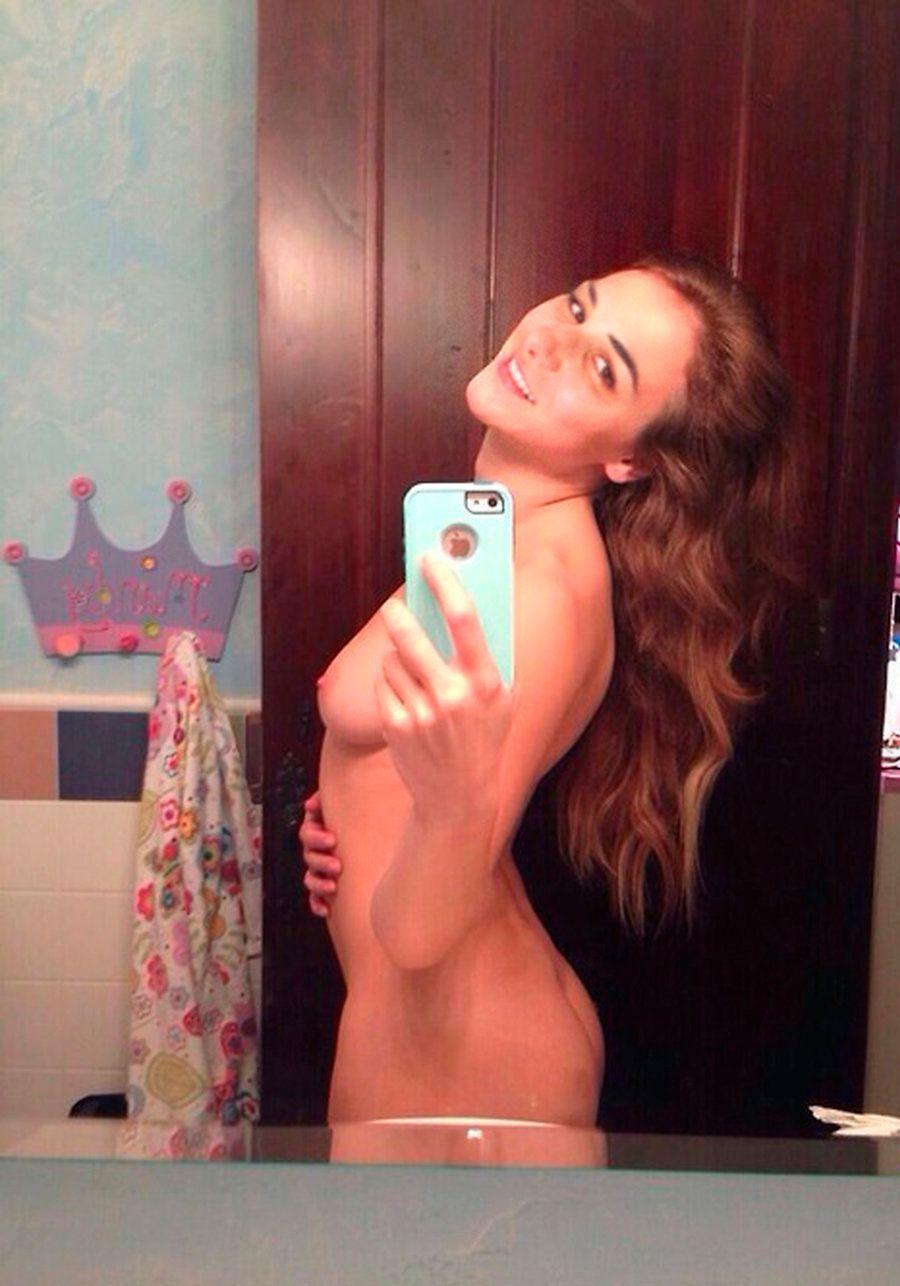 Jillian Mayer, Bisexual babe