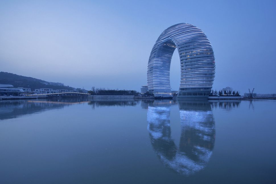 Sheraton Huzhou Hot Spring Resort. Image © MAD Architects, XiaZhi