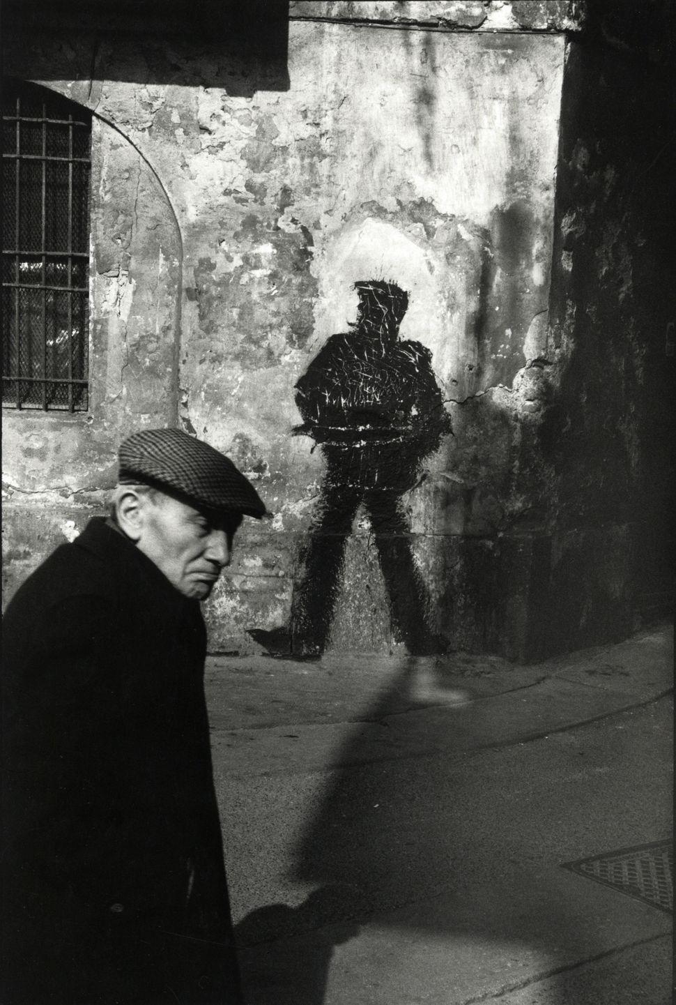 Monique Jacot, Milan, 1984, gelatin silver print, © Monique Jacot / Photo Foundation Switzerland, Winterthur