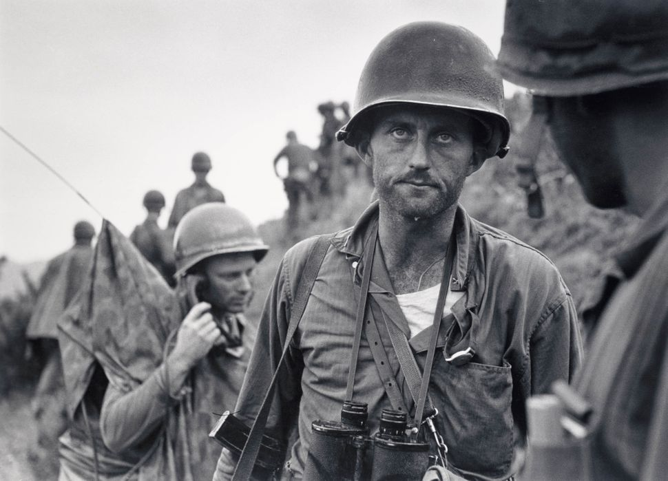 David Douglas Duncan, Αμερικάνος (b. 1916). Ο στρατιώτης Ike Fenton στη βόρεια Κορέα, 1950
