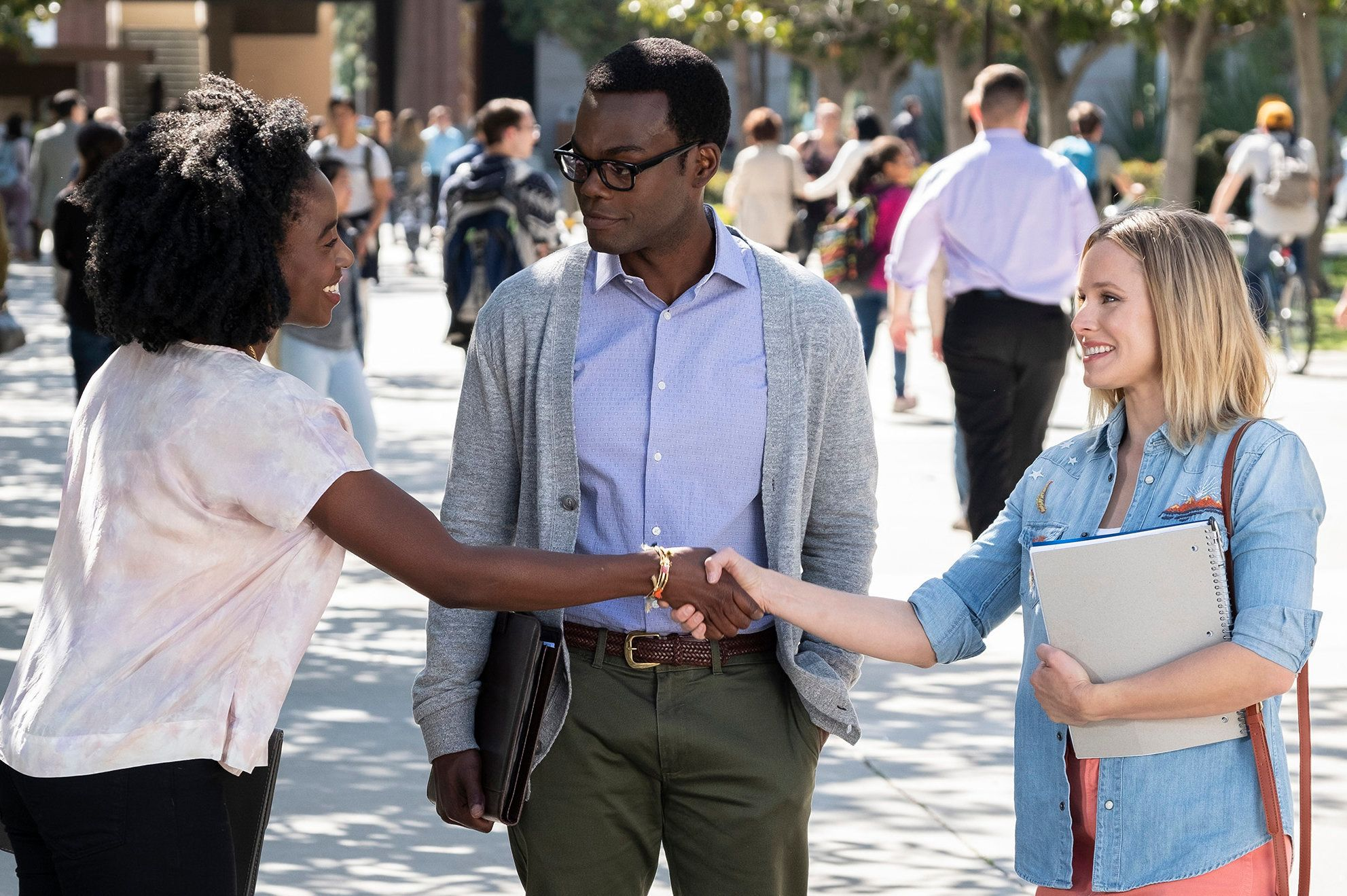 "THE GOOD PLACE -- ""Everything is Bonzer! Pt. 1"" Episode 301 -- Pictured: (l-r) Kirby Howell-Baptiste as Simone Garnett, William Jackson Harper as Chidi, Kristen Bell as Eleanor -- (Photo by: Justin Lubin/NBC)"
