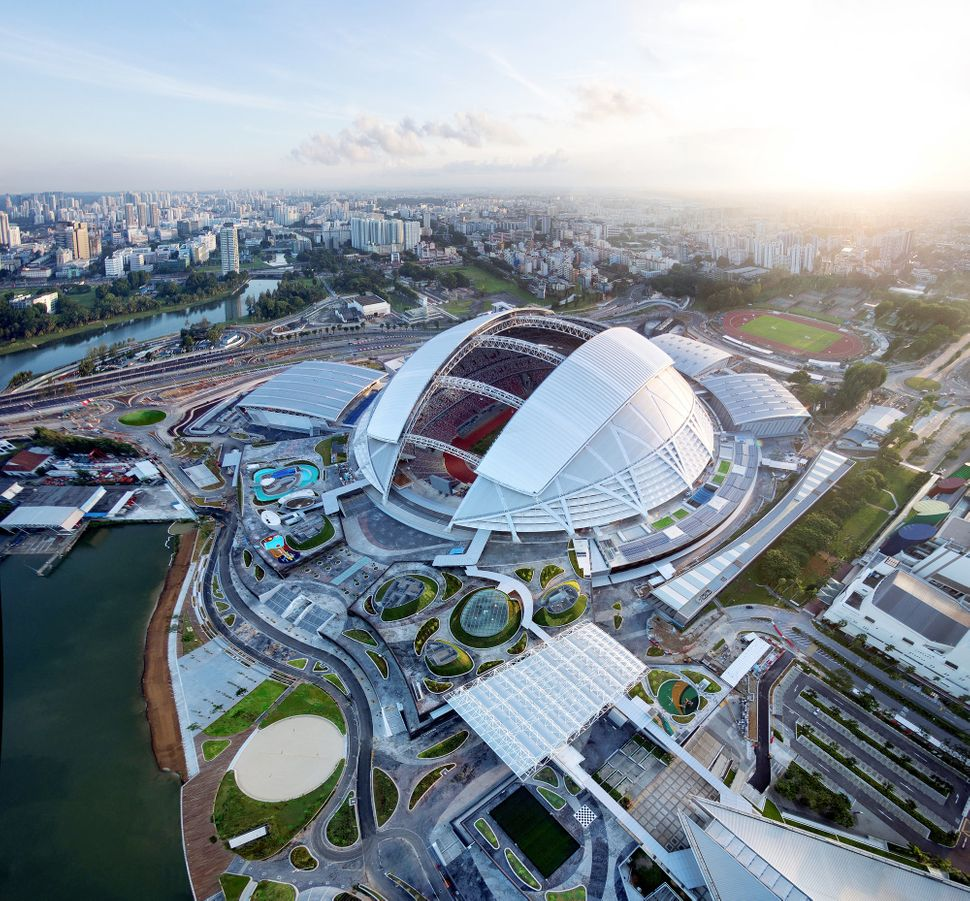 "Singapore SportsHub / DPArchitects (Singapore): ""<a href=""http://www.archdaily.com/523365/singapore-sportshub-dparchitects/"""