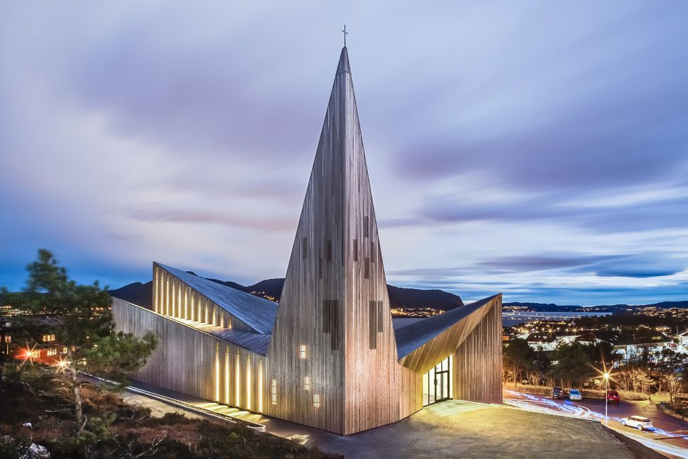 "Community Church Knarvik / Reiulf Ramstad Arkitekter (Norway): ""<a href=""http://boty.archdaily.com/us/2015/candidates/81305/c"