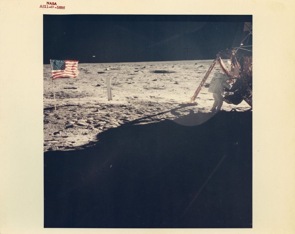 Buzz Aldrin, The only clear photograph of Neil Armstrong on the Moon, Apollo 11, July 1969