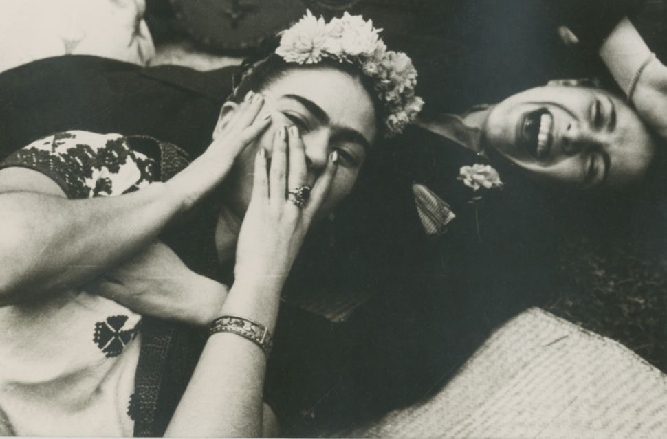 Nickolas Muray image of Frida Kahlo with Chavela Vargas, 1945 gelatin silver print 3