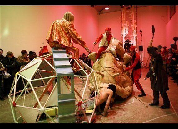Spartacus Chetwynd, The Snail Race, 2008 Performance at Galleria Massimo De Carlo, 2008 Photo by Pierluigi Cipelli Courtes