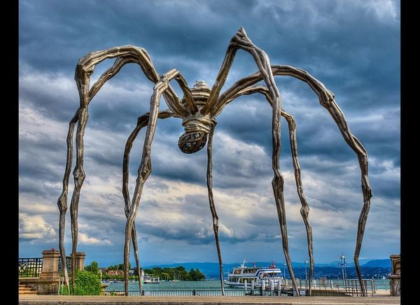 "Louise Bourgeois, ""Maman,"" 1999, at Bürkliplatz, Zürich, Switzerland"