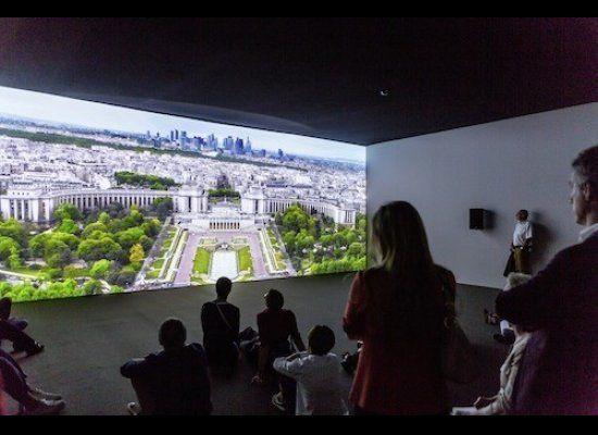 Air de Paris, Friedrich Petzel Gallery, White Cube Sarah Morris | Strange Magic, 2014 Unlimited in Basel 2015 © Art Basel.