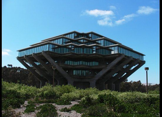 """Geisel Library at UCSD by William Pereira, 1970. Featured in Novel """"Rainbows End"""" by Vernor Vinge. Image by Carla Leitao."""