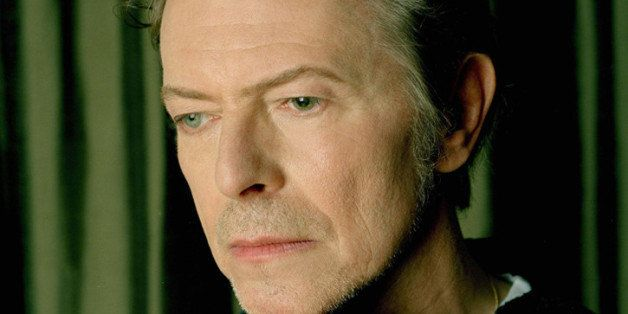 CODE: RETU-Myriam Santos-Kayda, 01.2002: David Bowie All Over Press/  Retna Ltd./ Myriam Santos-Kayda
