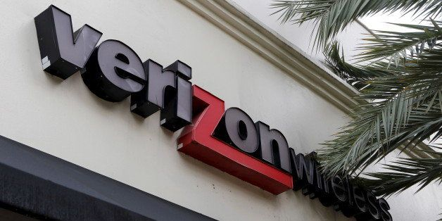 A Verizon Wireless store is shown in Coral Gables, Florida, September 18, 2015. The United States on Friday issued regulation