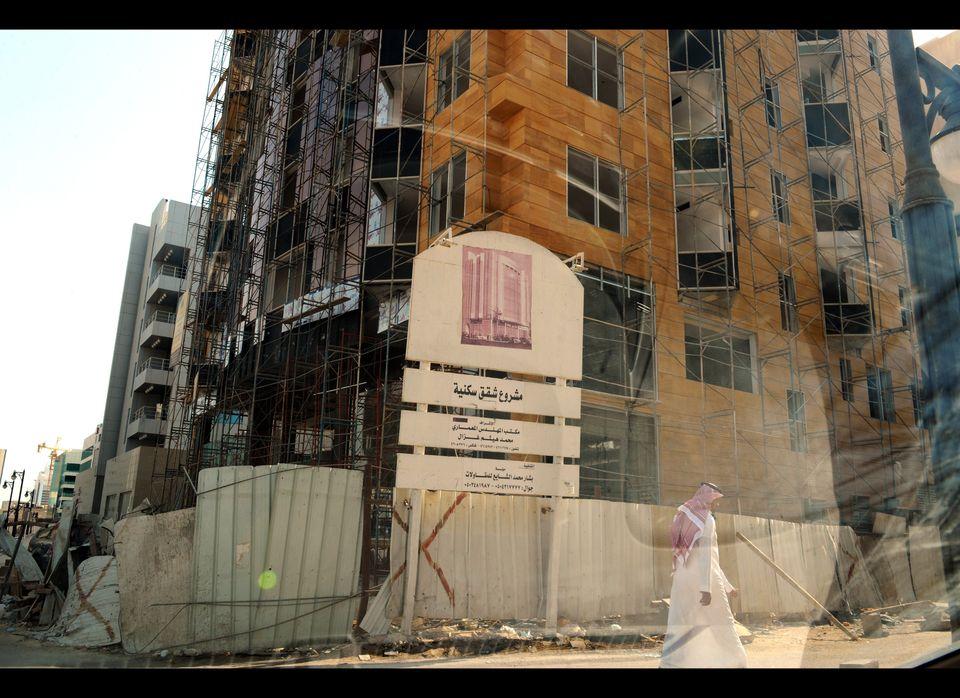 "A 2010 report by <a href=""http://www.ameinfo.com/228728.html"" target=""_hplink"">Jiwar Real Estate Management & Marketing</a> f"