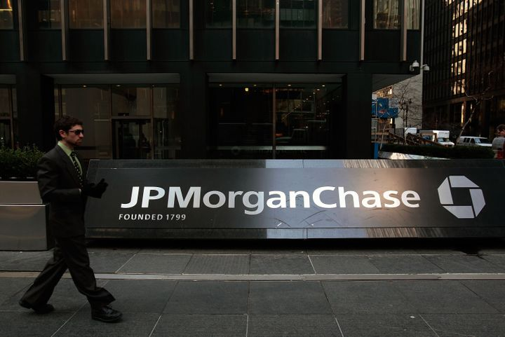 Awful Cover Letter To JPMorgan Becomes Laughing Stock Of