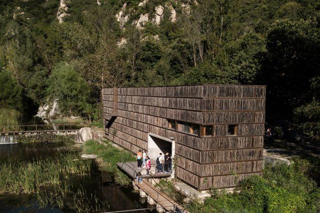 중국의 어느 시골에는 나뭇가지로 지은 도서관이