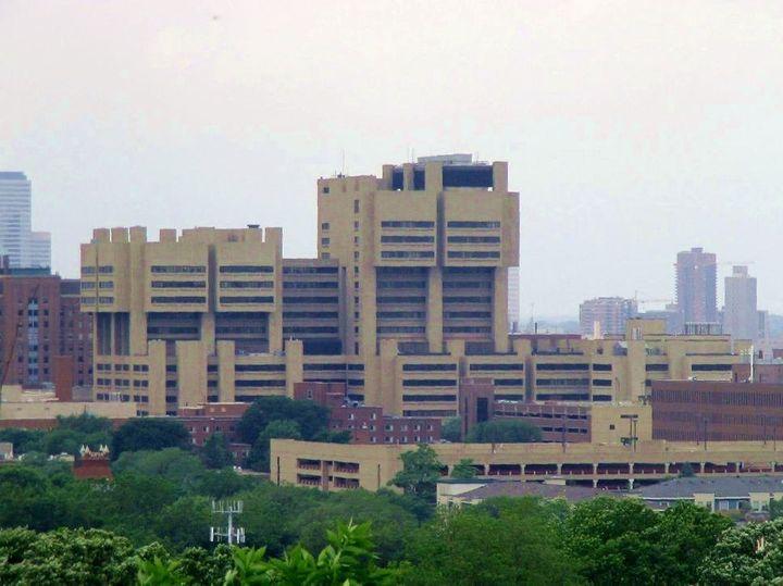 Category:Moos Health Sciences Tower Category:Hospitals in Minneapolis, Minnesota. riana_dzasta | 14:54, 9 August 2007 (UTC