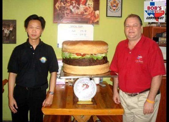 "Weighing in at 78.5 pounds, <a href=""http://www.cheese-burger.net/stories/worlds-largest-hamburger-update.html"">Big Bob's Tex"