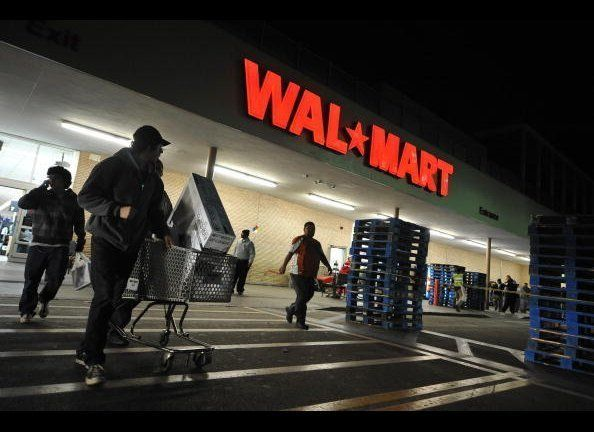"Walmart will be starting its Black Friday deals <a href=""https://www.huffpost.com/entry/walmart-thanksgiving-hours-2013_n_425"