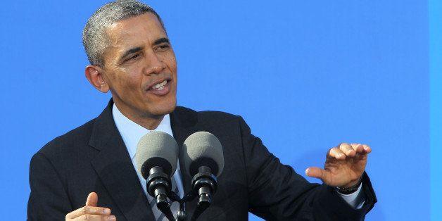 GLENDALE, CA - NOVEMBER 26: U.S. President Barack Obama delivers remarks on the economy at DreamWorks Animation on November 2
