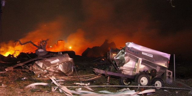A fire burns at a fertilizer plant in West, Texas after an explosion Wednesday April 17, 2013 (AP Photo/Michael Ainsworth/The