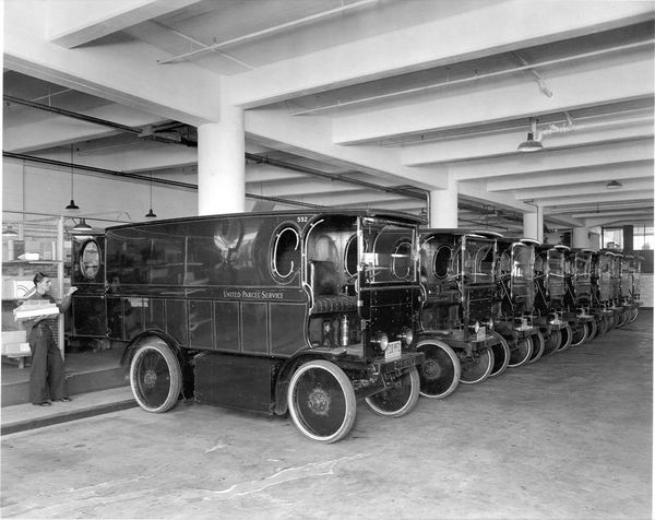 In 1936 these electric powered package cars shown here traveled the streets of LA. The first documents related to electric ve