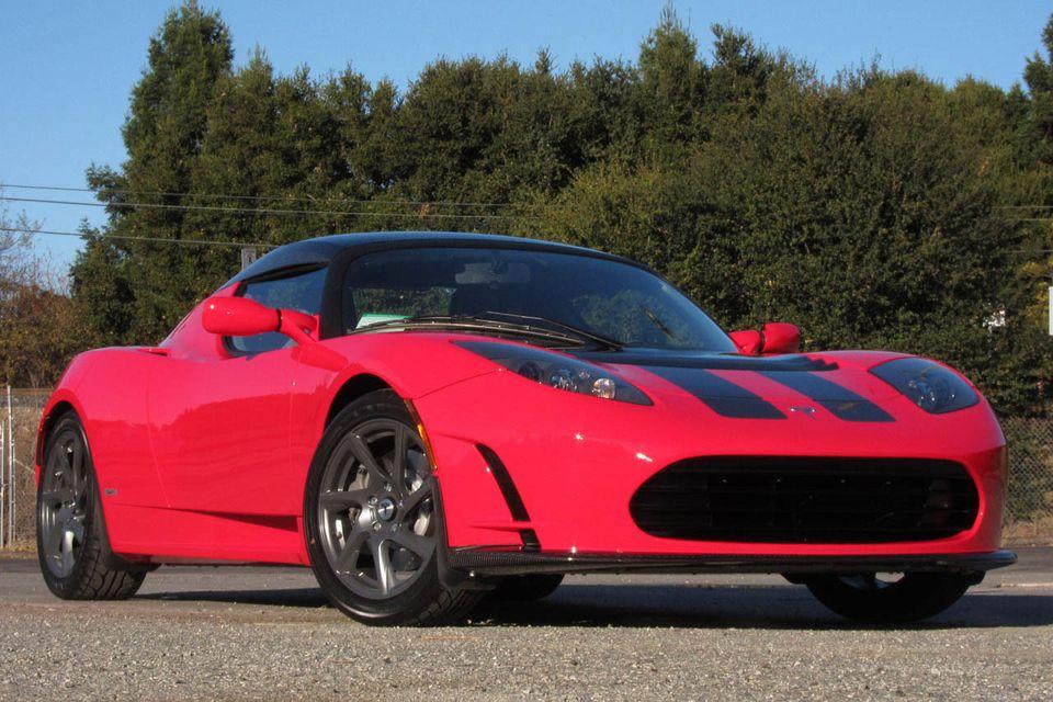 Elon Musk teases Tesla Roadster update
