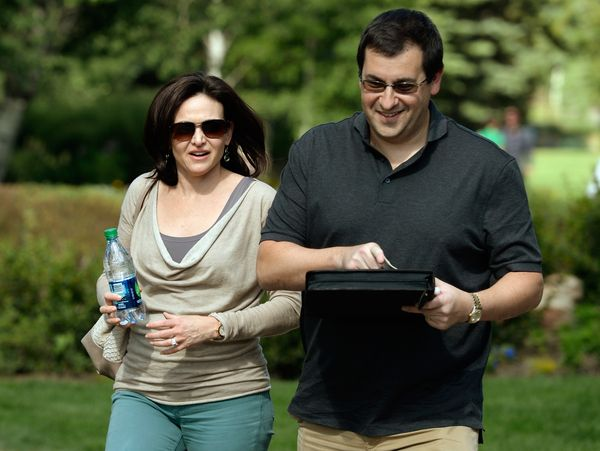 SUN VALLEY, ID - JULY 09:  JULY 10: Sheryl Sandberg, COO of Facebook, and her husband David Goldberg arrives for the Allen &