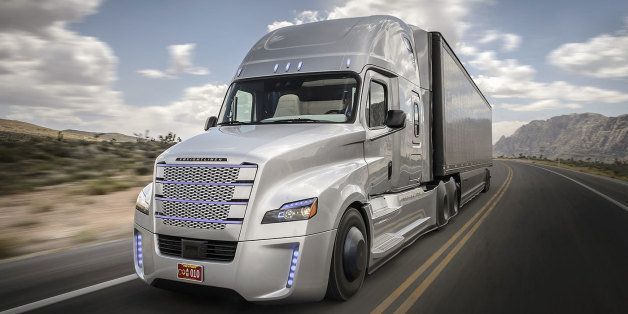 Here Comes A Self Driving 18 Wheeler Truck Huffpost