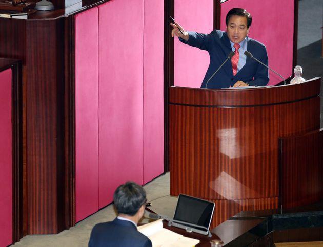 김동연 부총리와 심재철 의원이 40분간