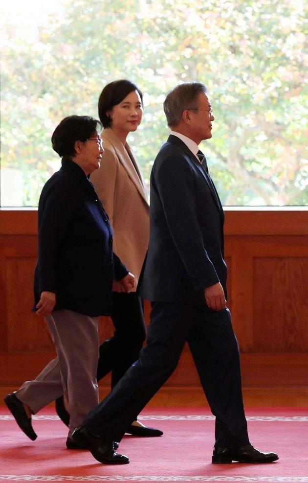 청와대 임명장 수여식에 '시어머니'가 최초로 등장하다