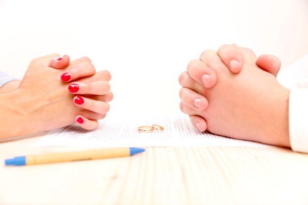 Γιατί χιλιάδες ζευγάρια προτιμούν να ενώνονται με σύμφωνο