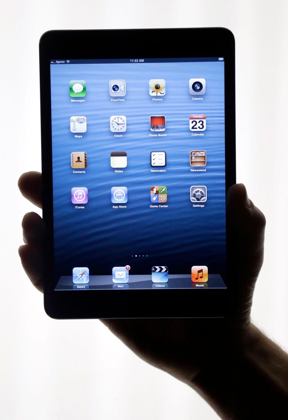 "<a href=""http://www.usatoday.com/story/tech/columnist/baig/2012/10/30/baig-review-apple-ipad-mini/1668737/"">USA Today's Edwar"