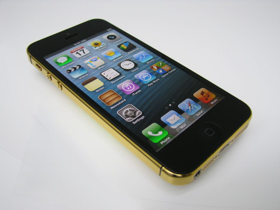 Polished 24 karat Gold iPhone 5.