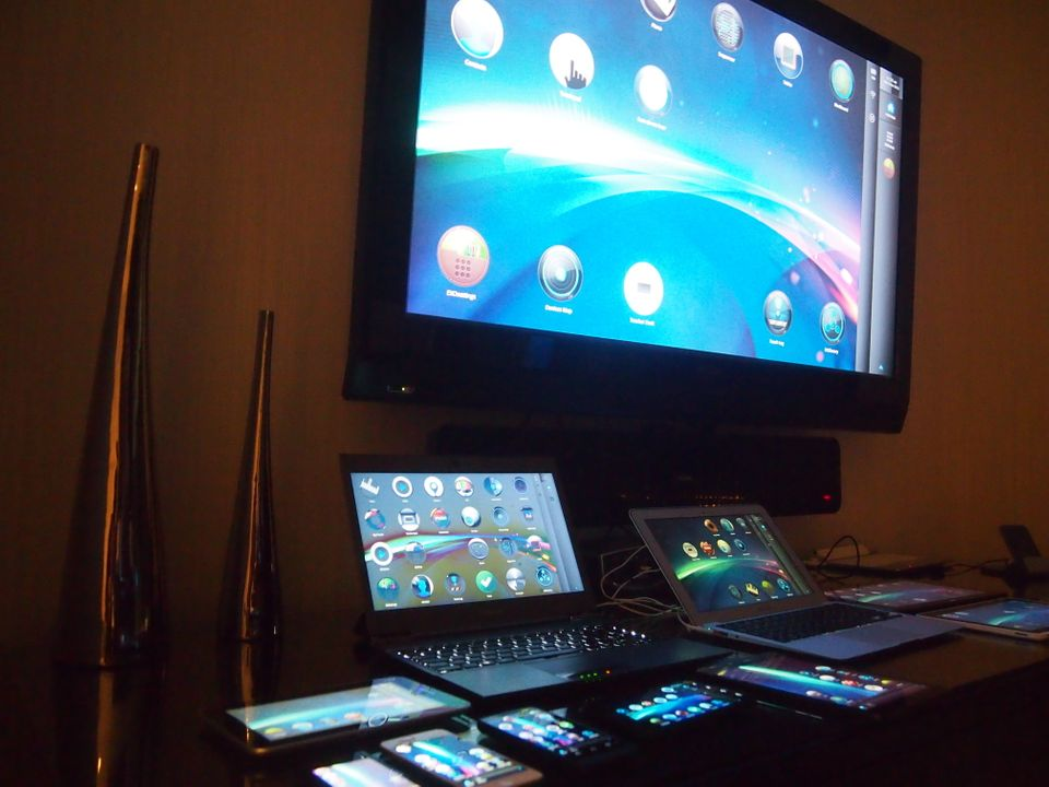 A look at the EXO UI, created by the company EXO U, to run on its EXODesks and several different operating systems.   Image c