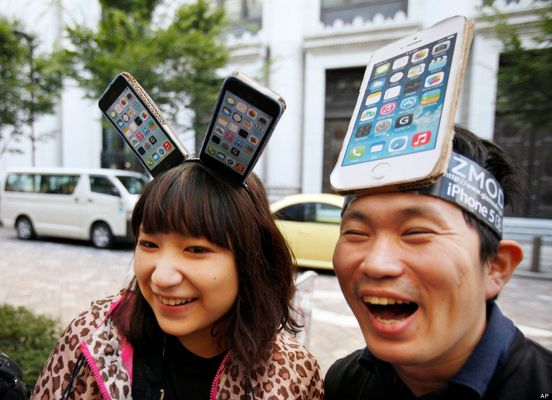 How To Sell Your Old iPhone: 6 Ways To Trade In Your Phone | HuffPost