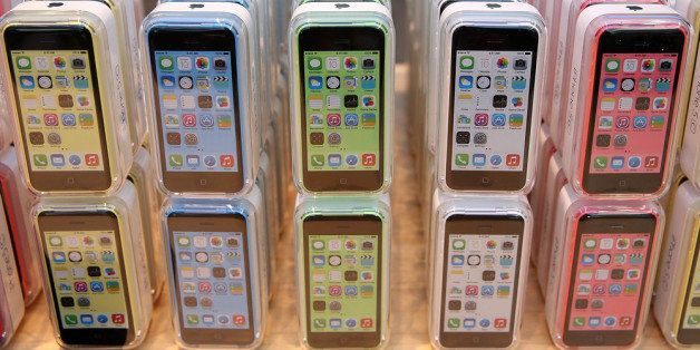PALO ALTO, CA - SEPTEMBER 20:  The new Apple iPhone 5C is displayed at an Apple Store on September 20, 2013 in Palo Alto, Cal
