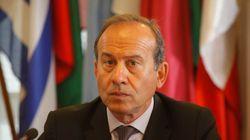 Τι λέει ο επικεφαλής του Γραφείου του ΕΚ στην Αθήνα που τέθηκε σε διαθεσιμότητα λόγω έρευνας του