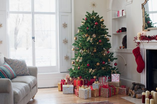 Christmas Day Is Ten Weeks Today. Here's How To Save For A Merry One