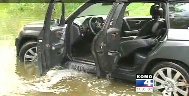 Woman Drives Into Swamp Following GPS Directions (VIDEO