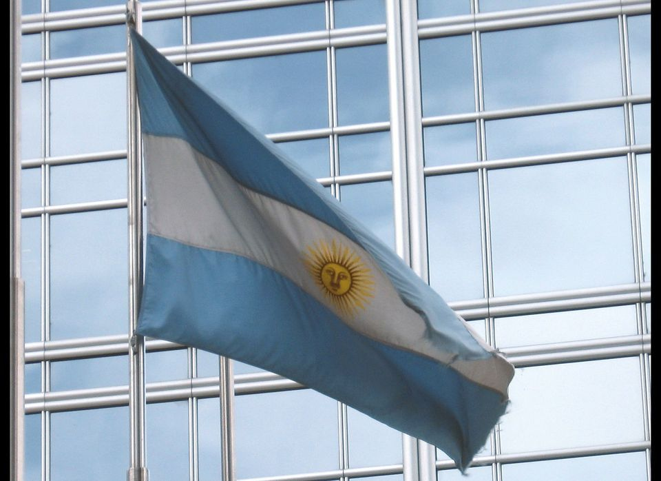 Number of data requests from Argentina: 134. Number of removal requests: 12.