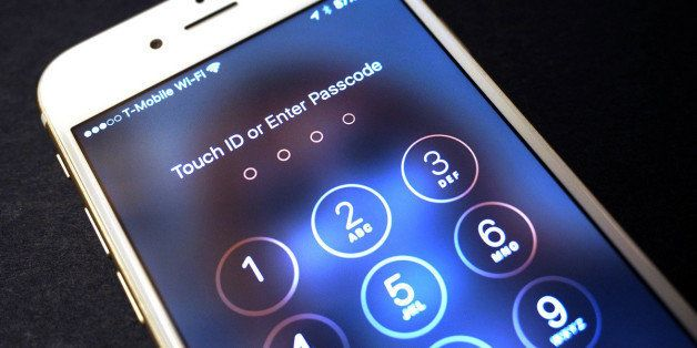 If the FBI Had Asked Apple CEO Tim Cook for iPhone Hacking Help via