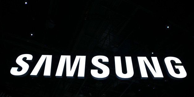 LAS VEGAS, NV - JANUARY 06:  The Samsung logo is seen at CES 2016 at the Las Vegas Convention Center on January 6, 2016 in La