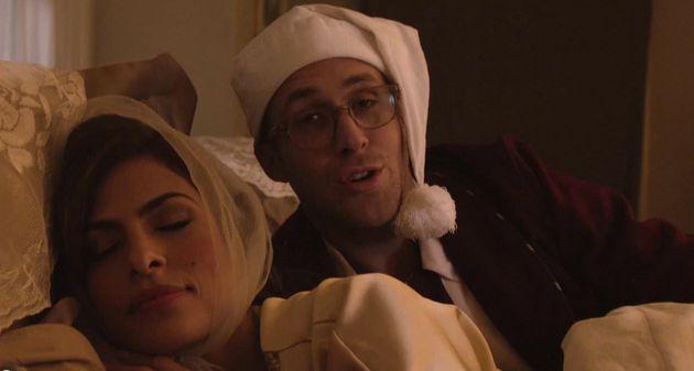 Drunk History Christmas.Ryan Gosling Eva Mendes In Drunk History Christmas For