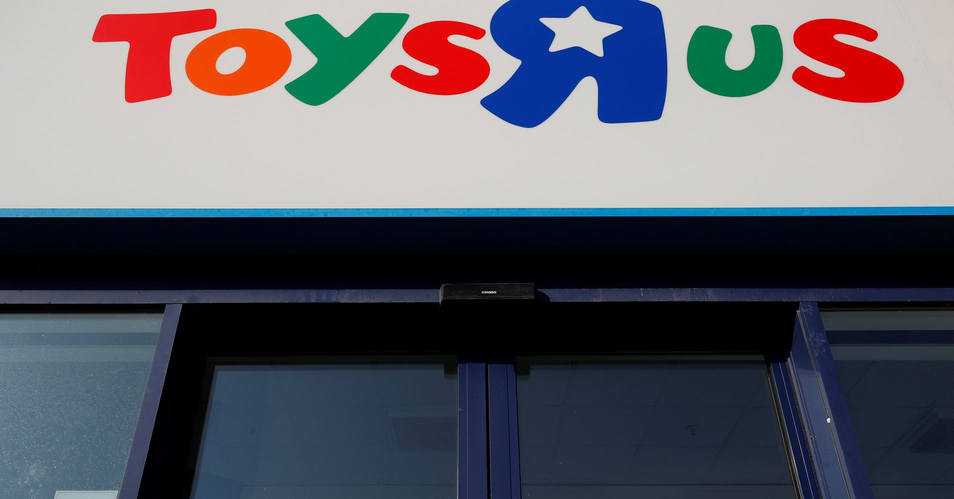 Toys 'R' Us May Be Making A Comeback After All
