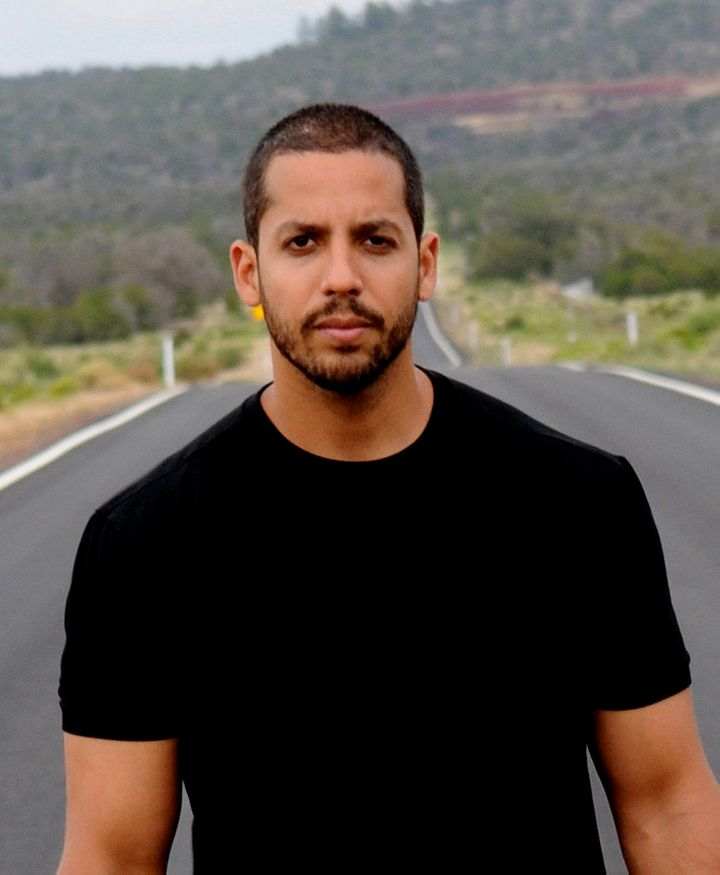 description 1 David Blaine in Sedona | date 2008-07-10 20:44:12 | source | author Specs212  | permission | other_versions | o