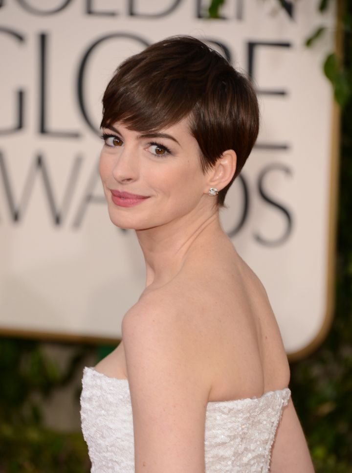 BEVERLY HILLS, CA - JANUARY 13:  Actress Anne Hathaway arrives at the 70th Annual Golden Globe Awards held at The Beverly Hil