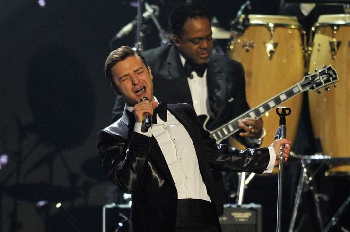 LONDON, ENGLAND - FEBRUARY 20:  Justin Timberlake performs on stage during the Brit Awards 2013 at the 02 Arena on February 2